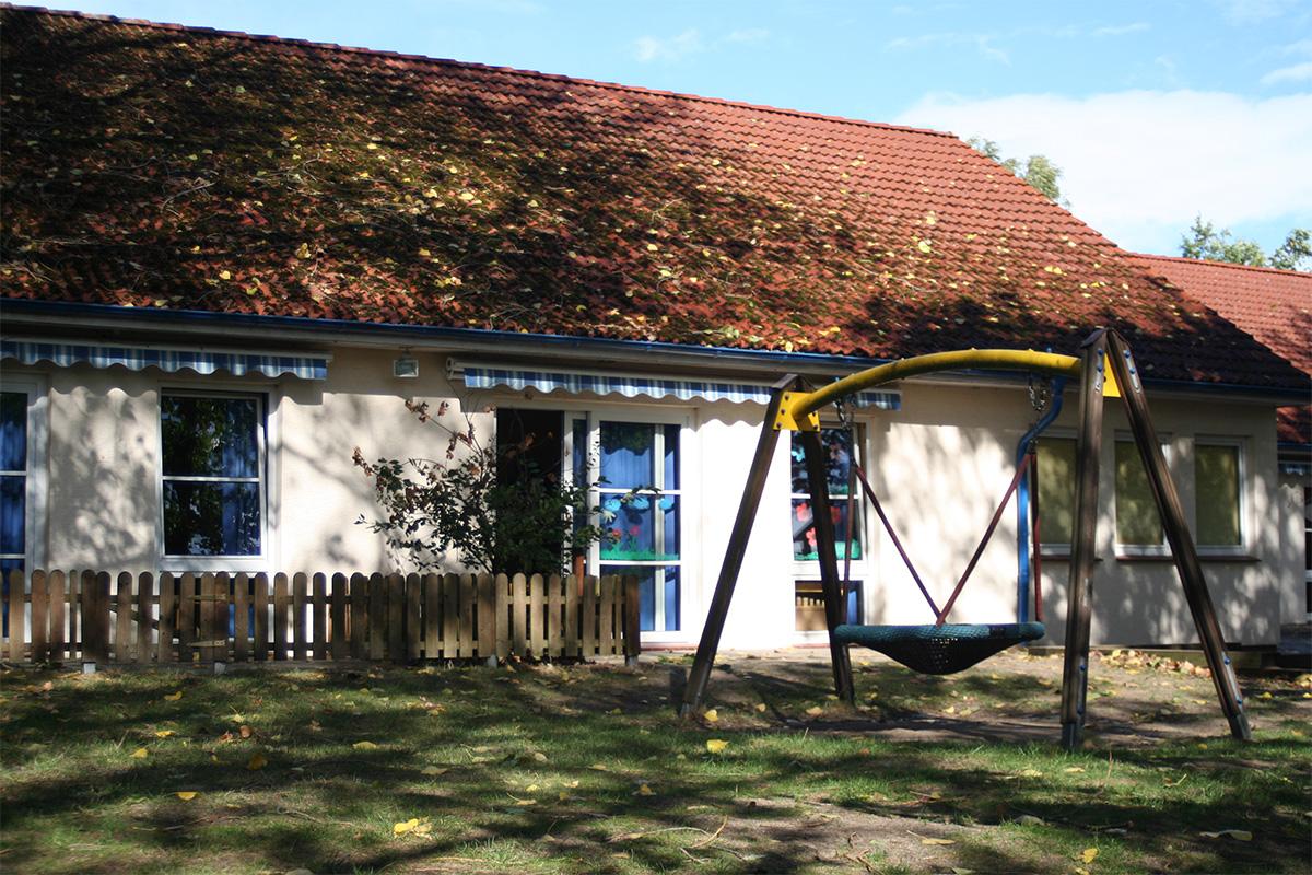 Kindertagesstaette-Rappelkiste-Haus-garten01